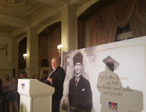 """İlber Ortaylı'nın """"Gazi Mustafa Kemal Atatürk"""" Kitabının Tanıtımı Yapıldı"""